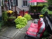 Bed and Breakfast Northeast Ohio - Courtyard seating